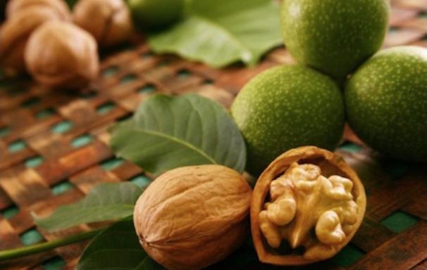 Vlašské orechy na stole