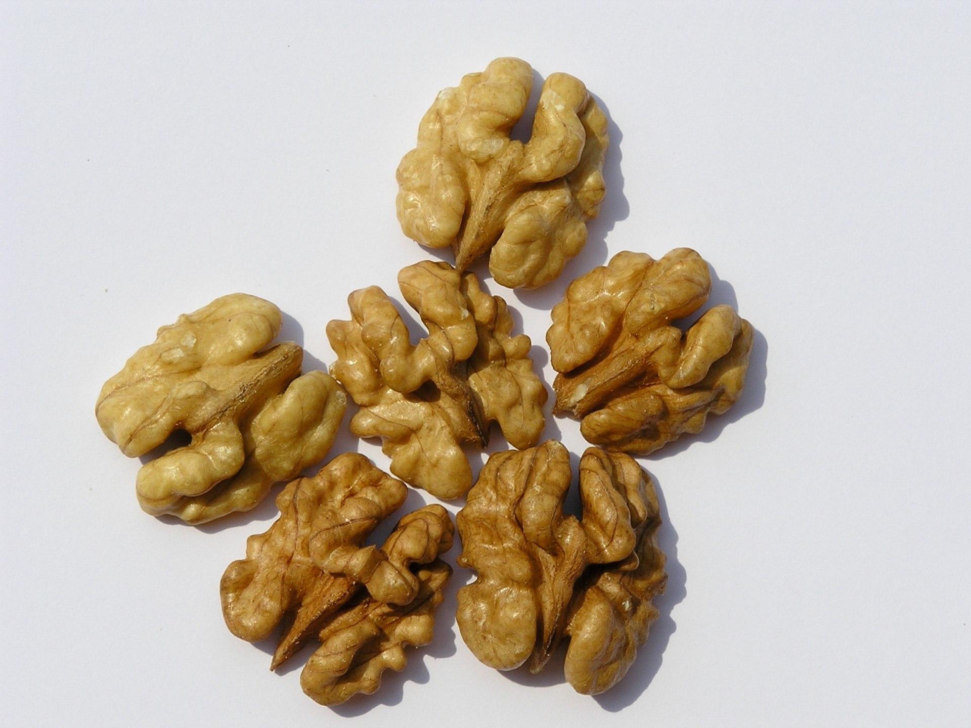 Polovične triedene jadrá orechov